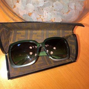 FENDI sunglass, perfect condition never worn